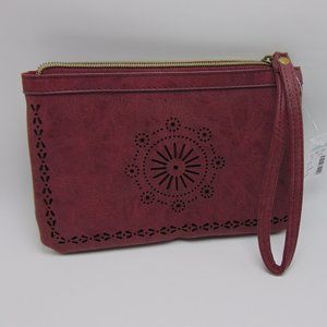 MAURICES Zippered Woman Wristlet Wallet